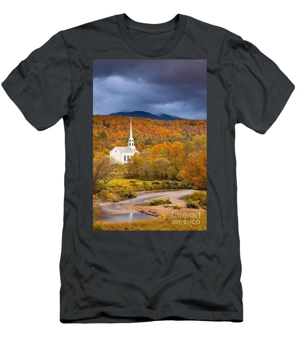 Autumn Men's T-Shirt (Athletic Fit) featuring the photograph Stowe Church by Brian Jannsen