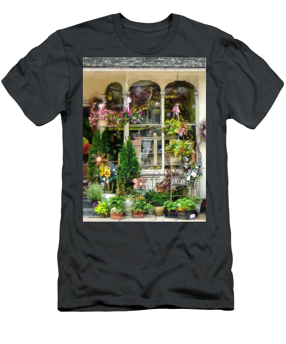 Flower Men's T-Shirt (Athletic Fit) featuring the photograph Strasburg Flower Shop by Susan Savad