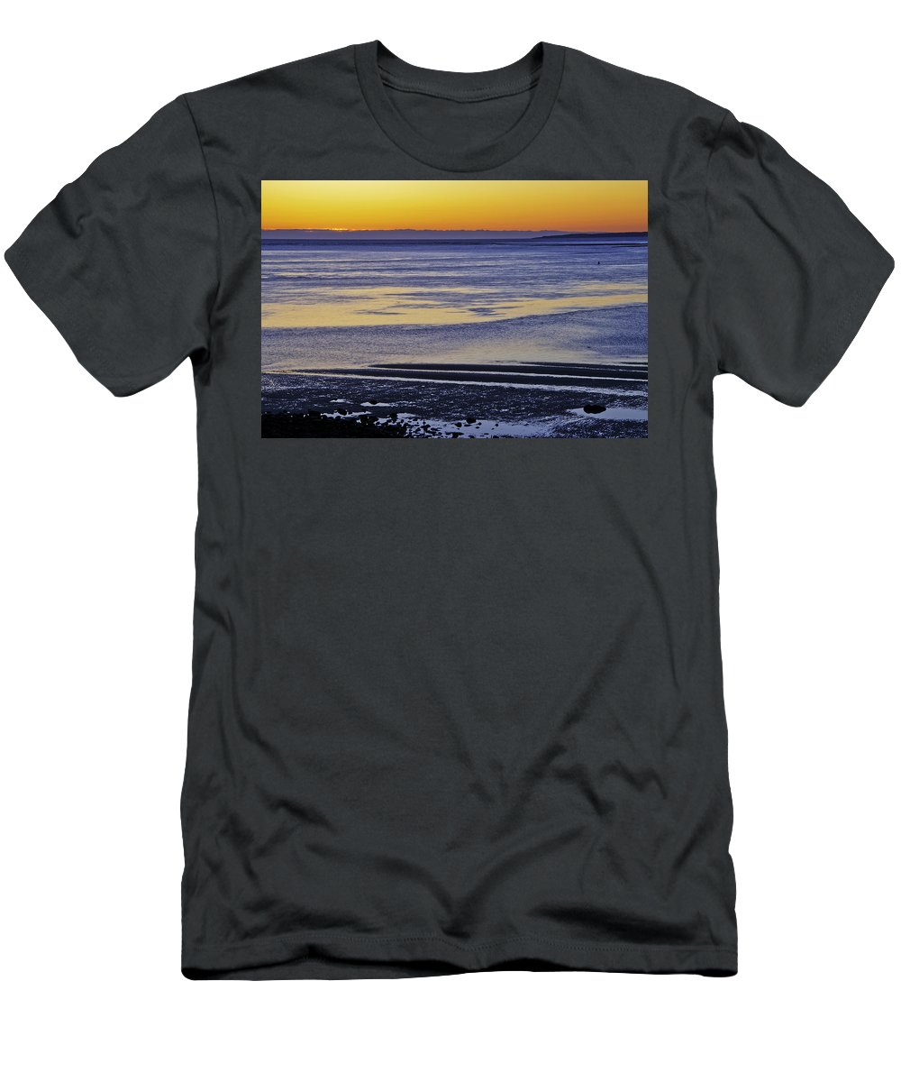 Sunrise Men's T-Shirt (Athletic Fit) featuring the photograph Sunrise Ipswich Bay by David Stone