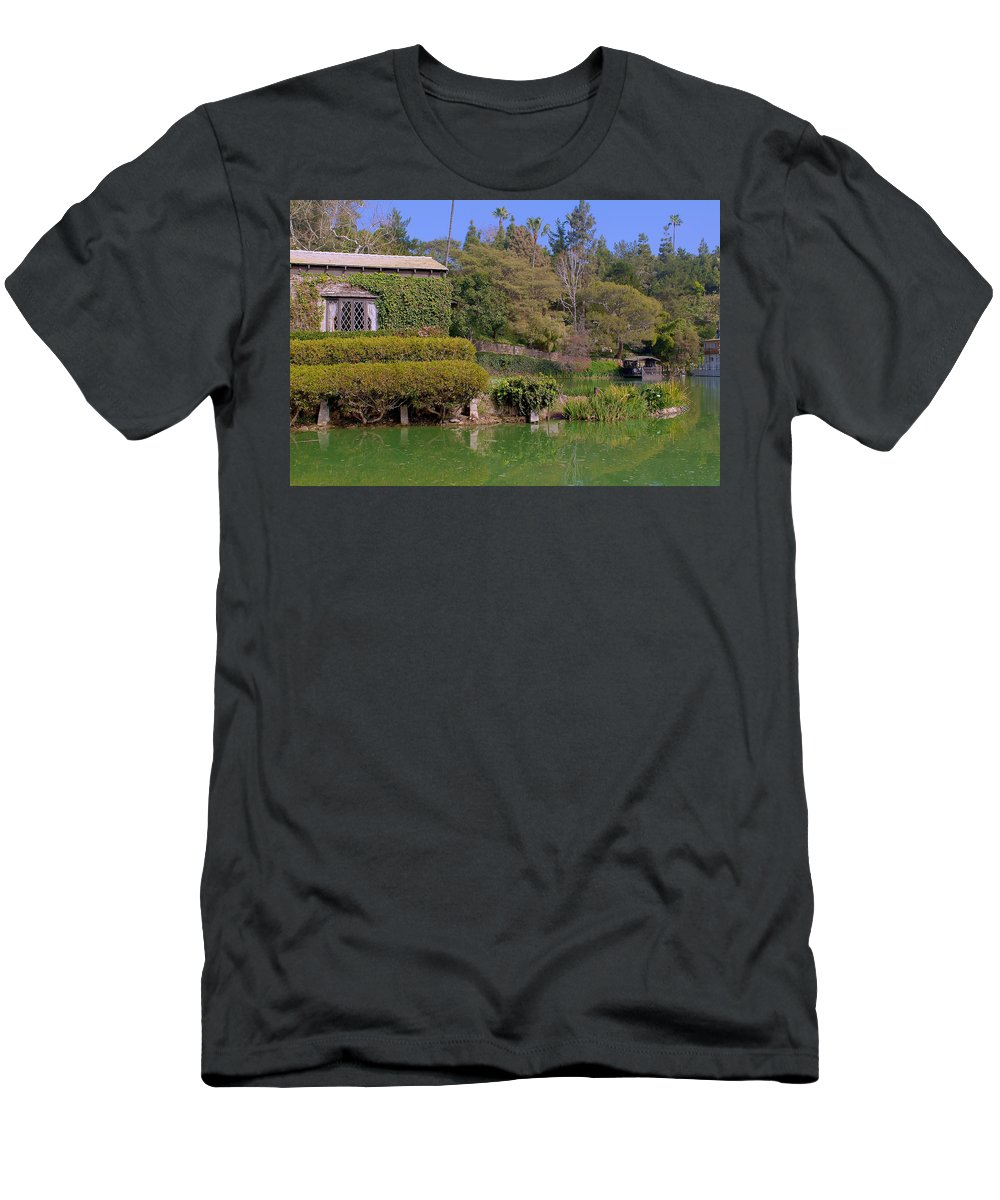 Garden Men's T-Shirt (Athletic Fit) featuring the photograph Temple On The Lake by Richard J Cassato