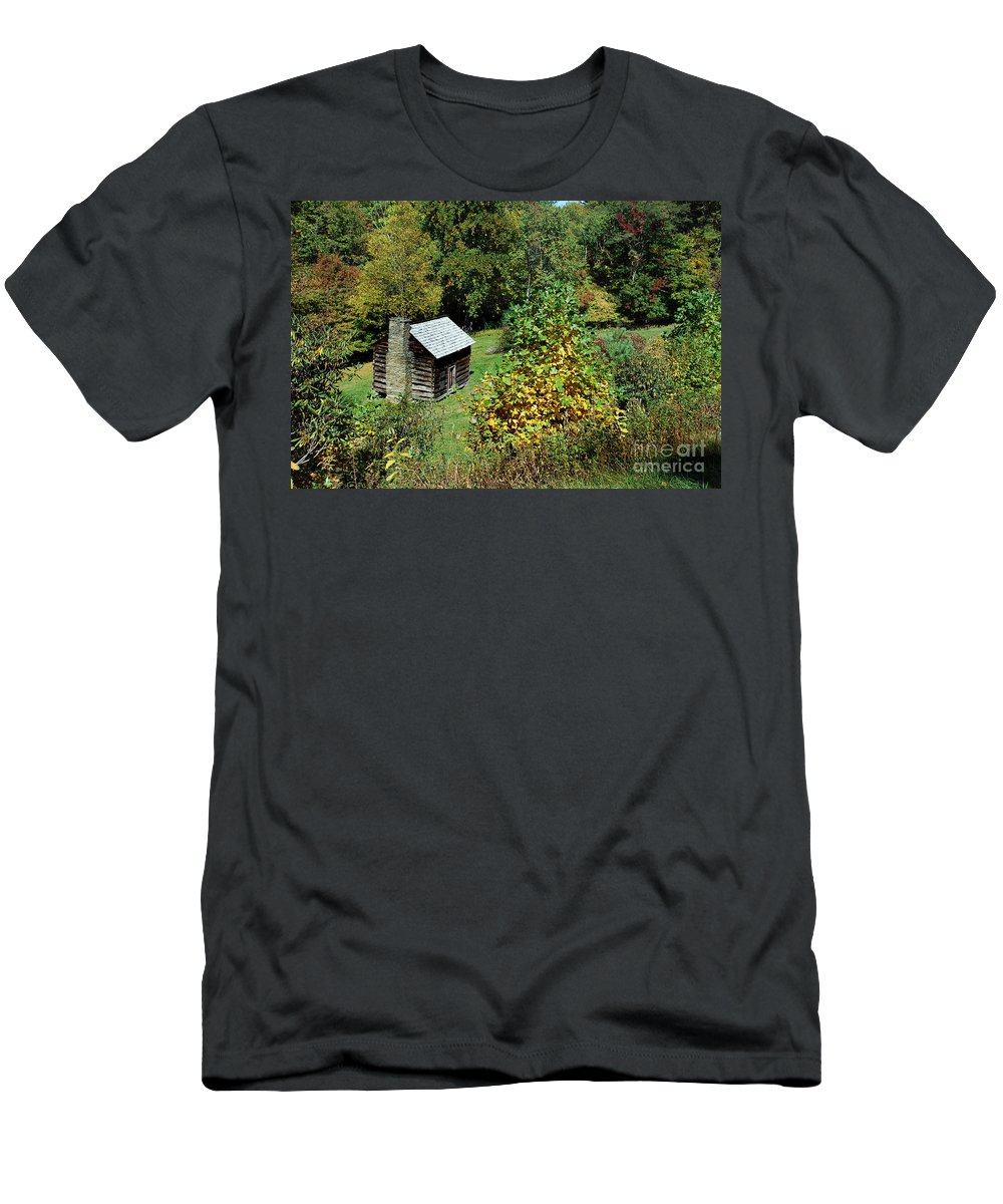 Scenic Tours Men's T-Shirt (Athletic Fit) featuring the photograph Tennessee Mountain Cabin by Skip Willits