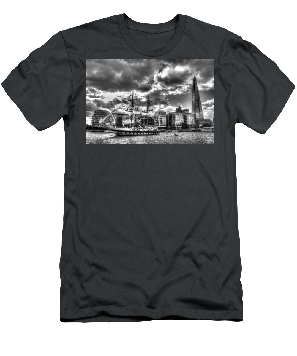Ship Men's T-Shirt (Athletic Fit) featuring the photograph The Stavros N Niarchos London by David Pyatt