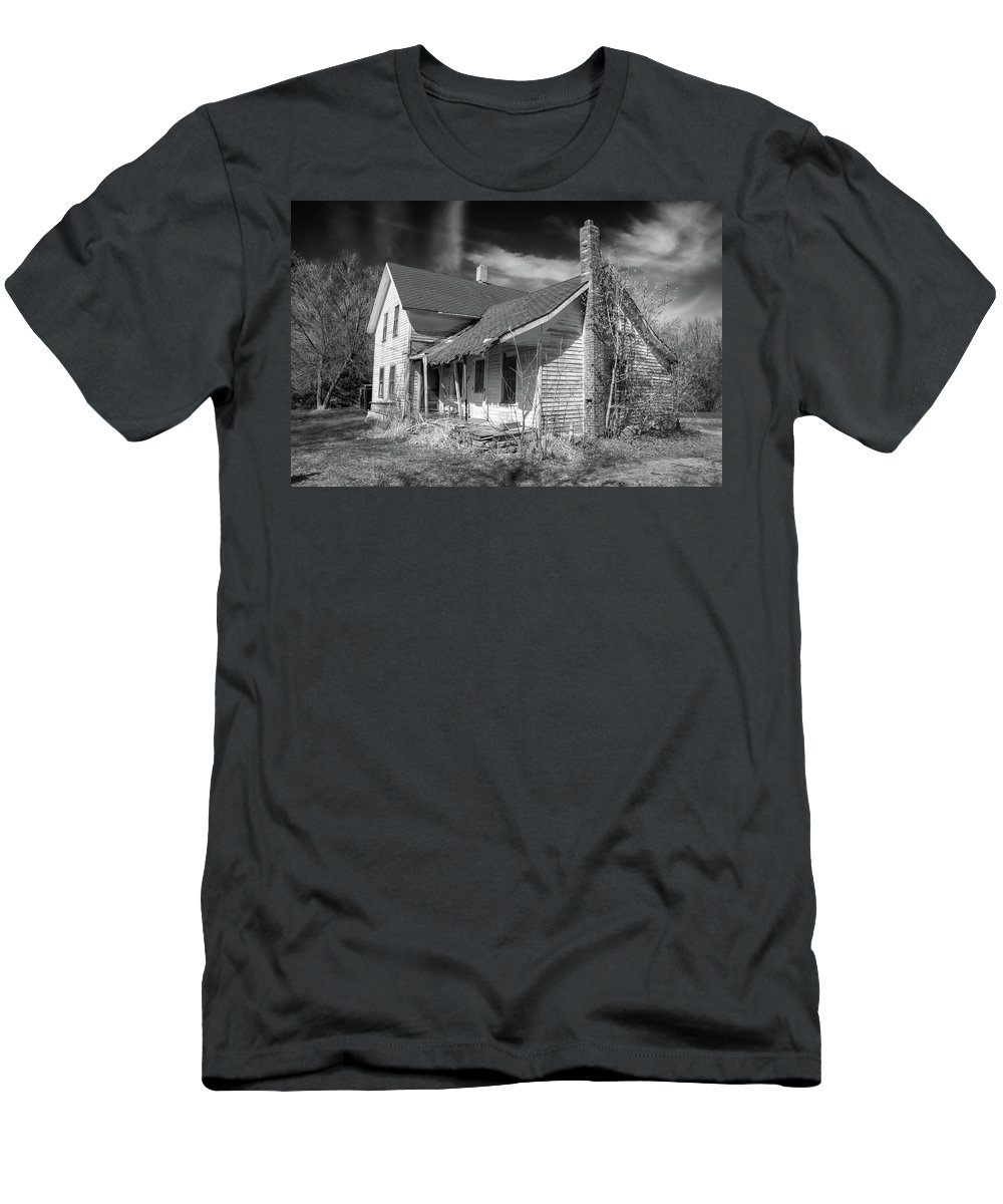 Guy Whiteley Photography Men's T-Shirt (Athletic Fit) featuring the photograph This Old House by Guy Whiteley