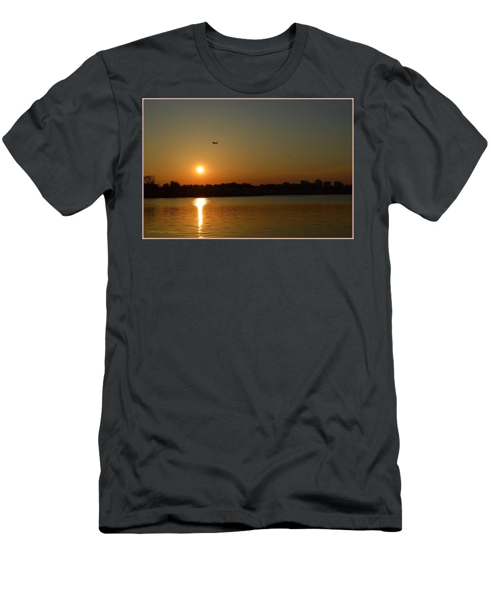 Tidal Basin Sunset Men's T-Shirt (Athletic Fit) featuring the photograph Tidal Basin Sunset by Sonali Gangane
