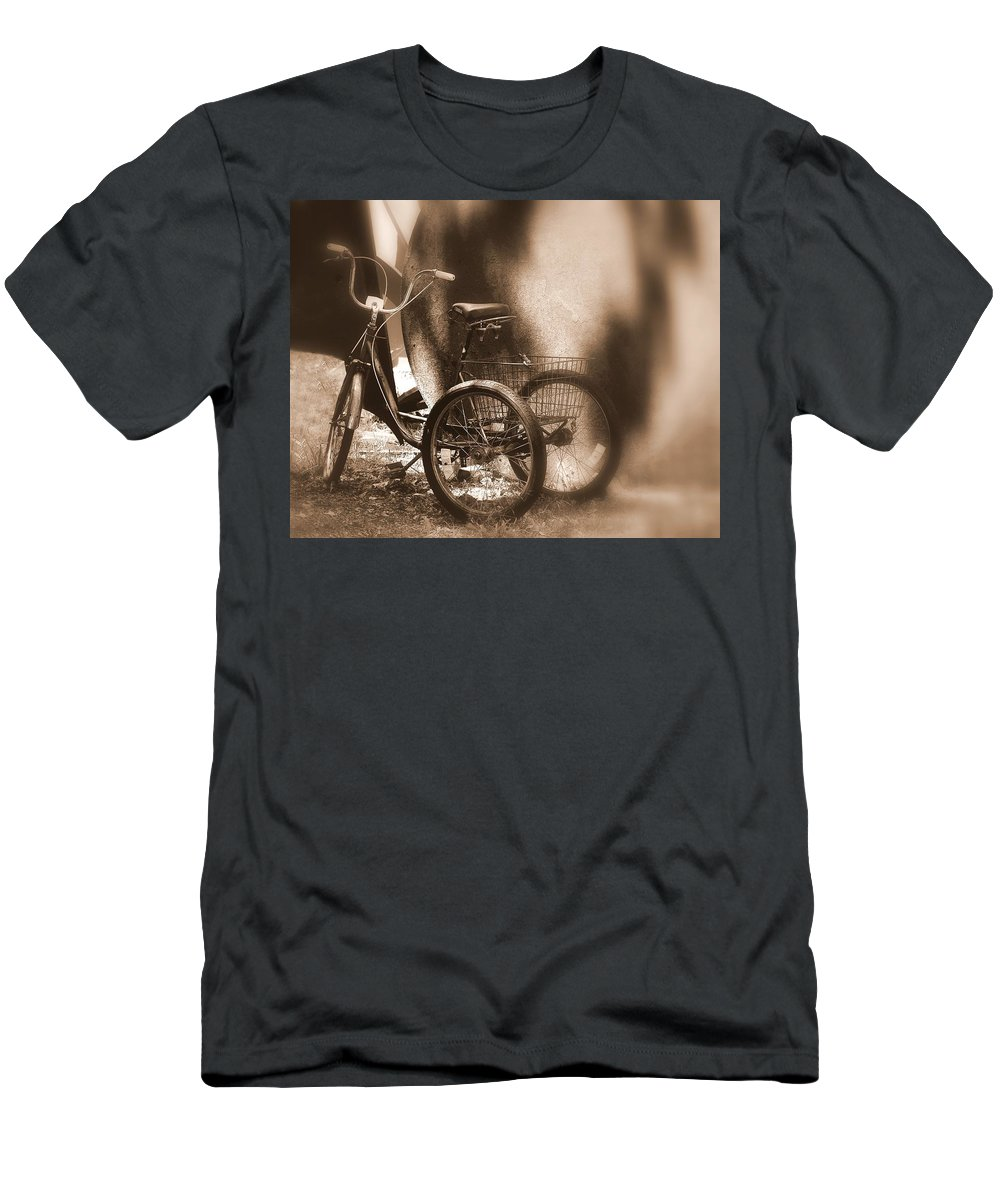 New York Men's T-Shirt (Athletic Fit) featuring the photograph Tricycle by Jeff Watts