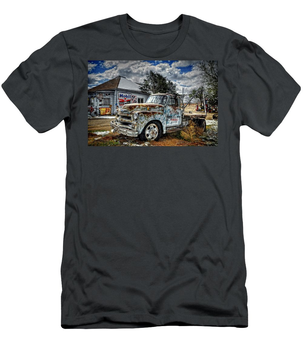 Ken Smith Photography Men's T-Shirt (Athletic Fit) featuring the photograph Tucumcari Towing by Ken Smith