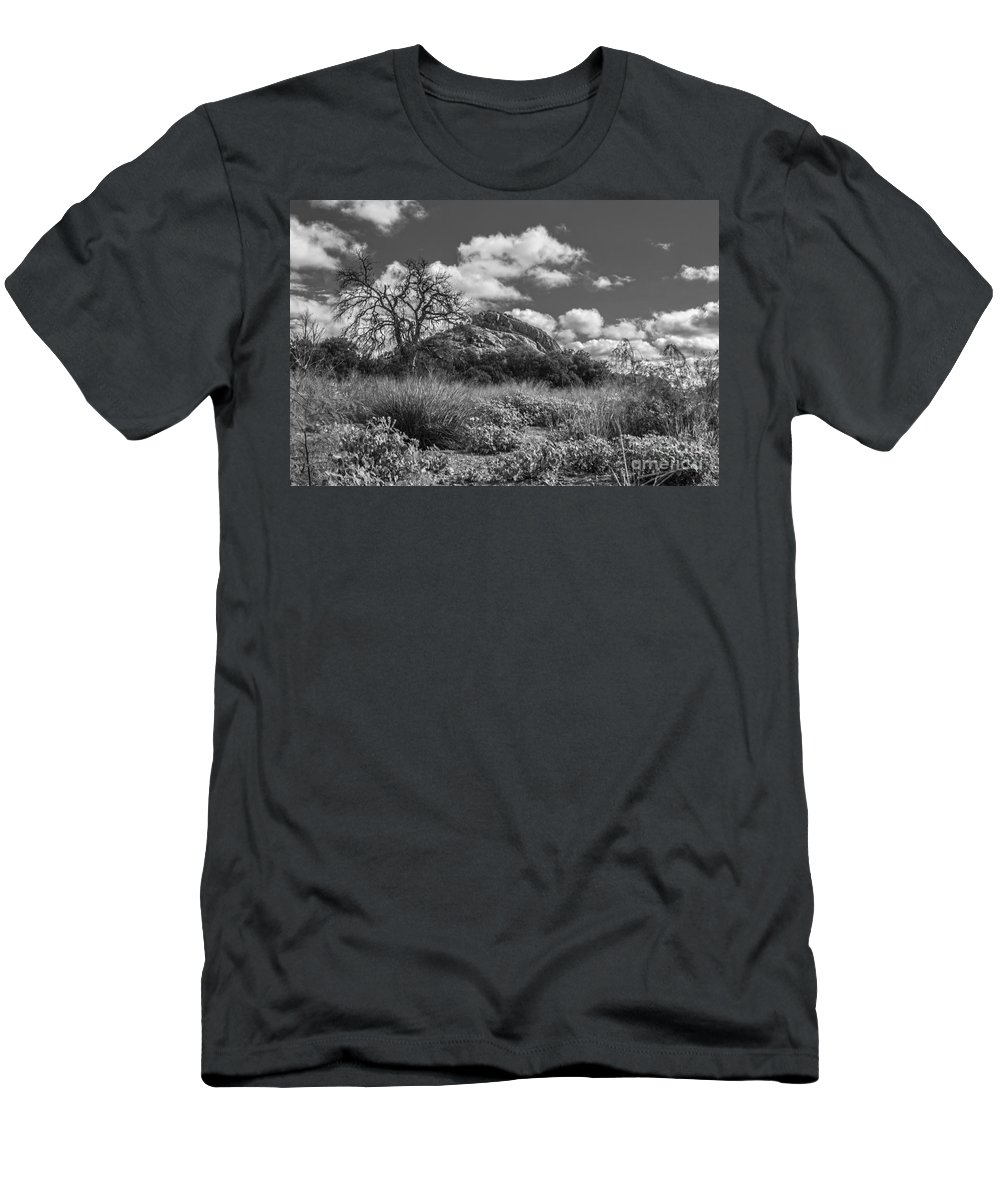 Cutts Nature Photography Men's T-Shirt (Athletic Fit) featuring the photograph Turkey Hill Bw by David Cutts
