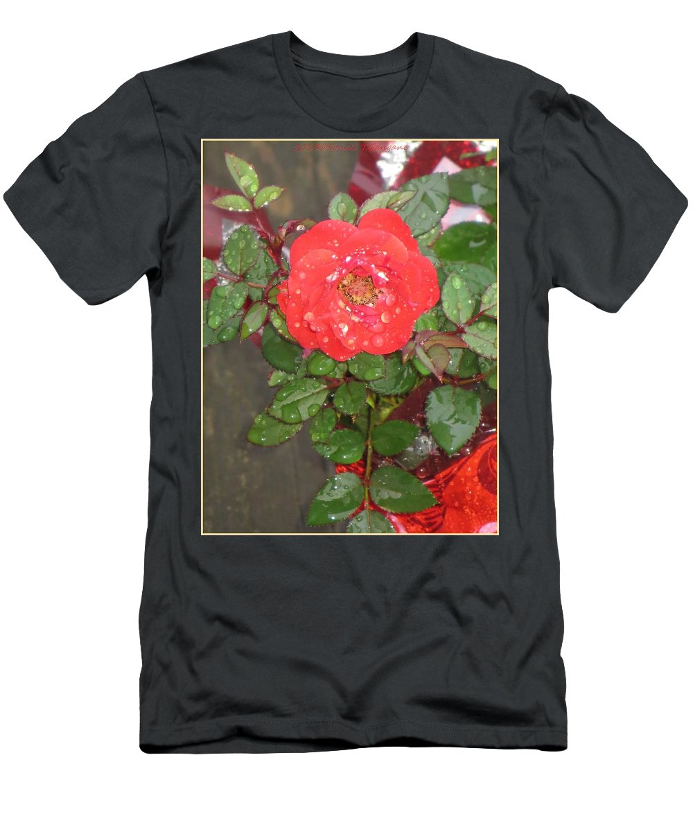 Symbol For Love Men's T-Shirt (Athletic Fit) featuring the photograph Universal Love by Sonali Gangane