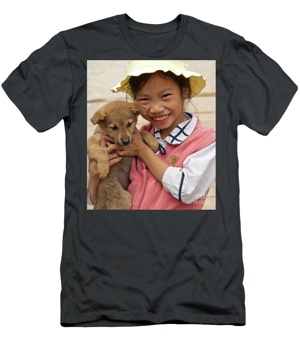 Vietnam Men's T-Shirt (Athletic Fit) featuring the photograph Vietnamese Girl 02 by Rick Piper Photography