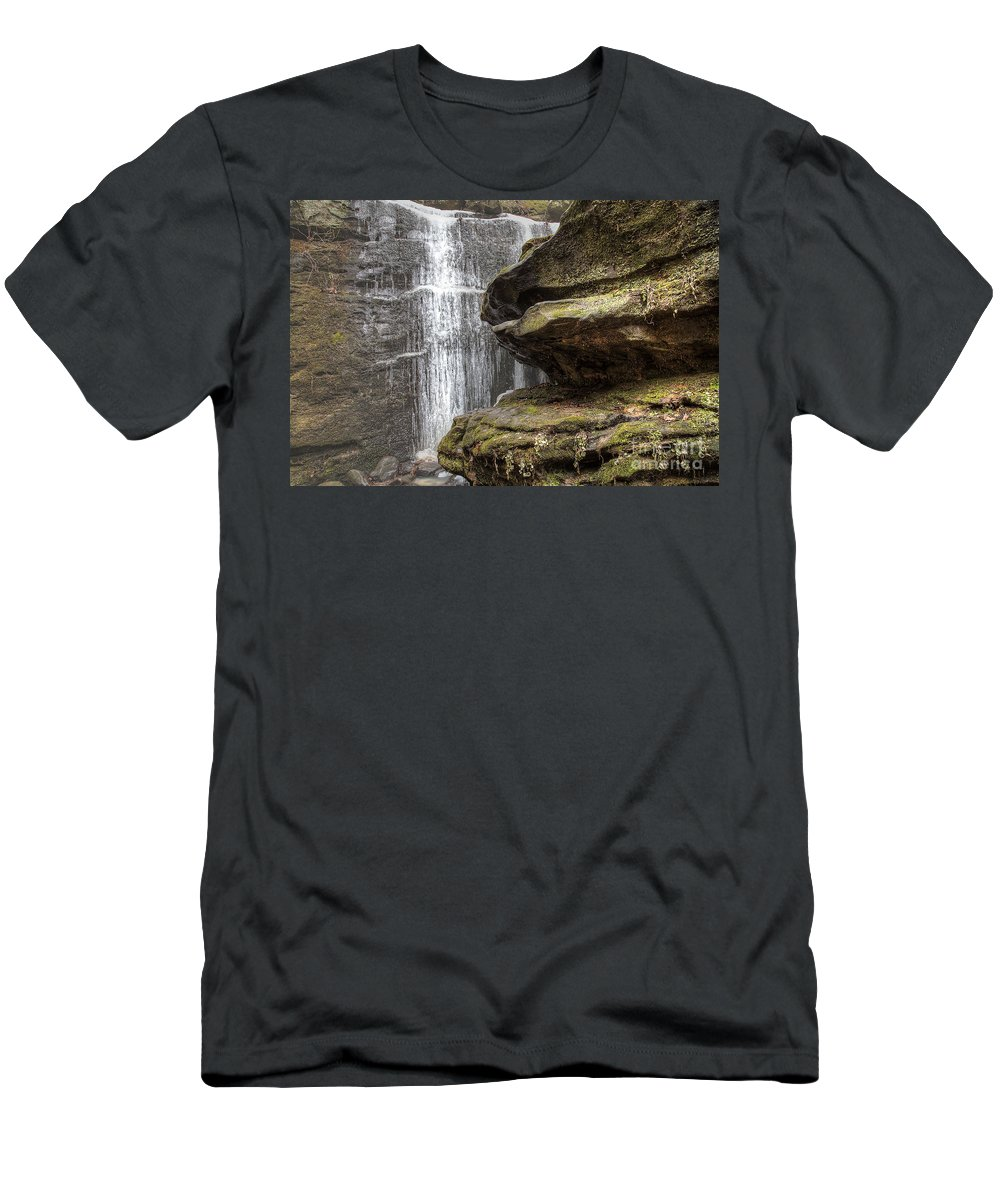 2014 Men's T-Shirt (Athletic Fit) featuring the photograph View From The Ledge by Larry Braun