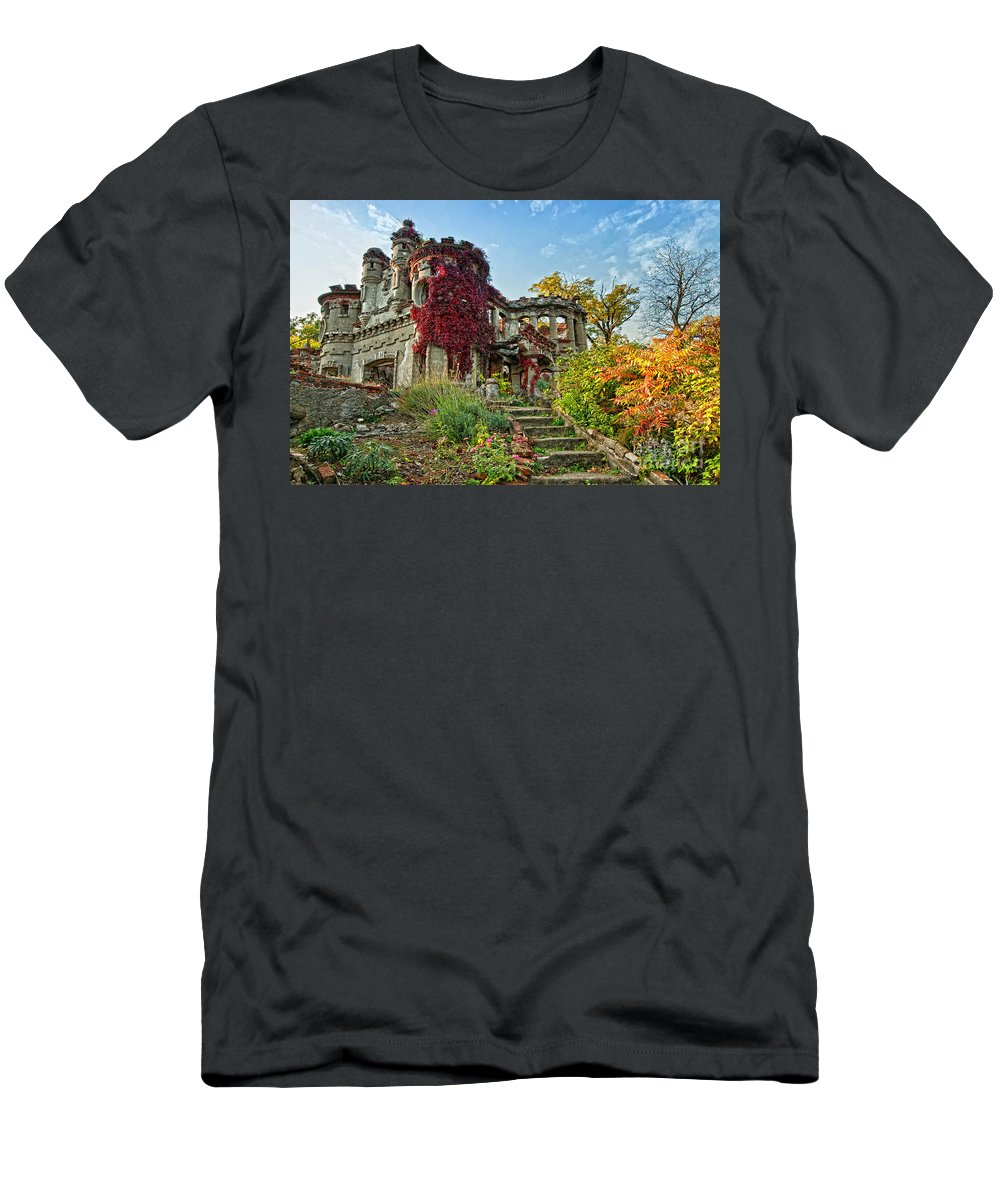 Pollepel Island Men's T-Shirt (Athletic Fit) featuring the photograph Vine Covered by Claudia Kuhn