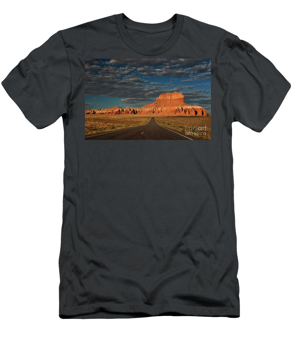 North America Men's T-Shirt (Athletic Fit) featuring the photograph Wild Horse Butte And Road Goblin Valley Utah by Dave Welling