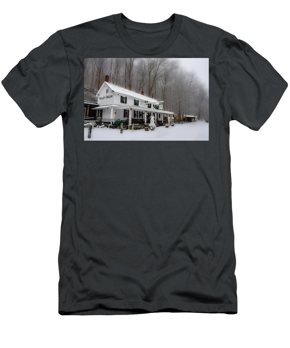 Winter Men's T-Shirt (Athletic Fit) featuring the photograph Winter Wonderland At The Valley Green Inn by Bill Cannon