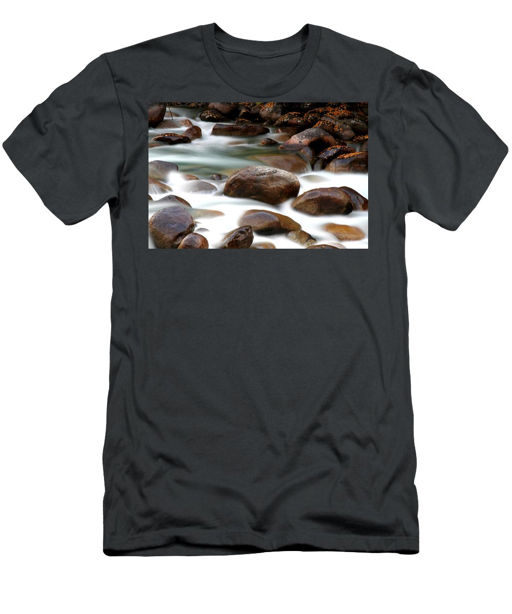 Doug Lloyd Men's T-Shirt (Athletic Fit) featuring the photograph Hiss by Doug Lloyd