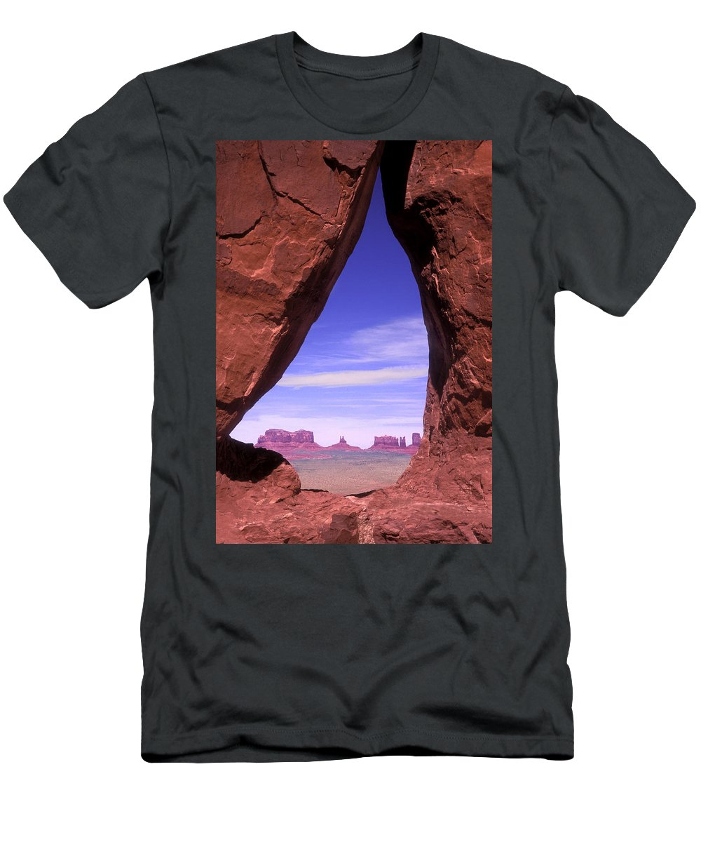 Teardrop Arch Men's T-Shirt (Athletic Fit) featuring the photograph Teardrop Arch Monument Valley by Dave Mills