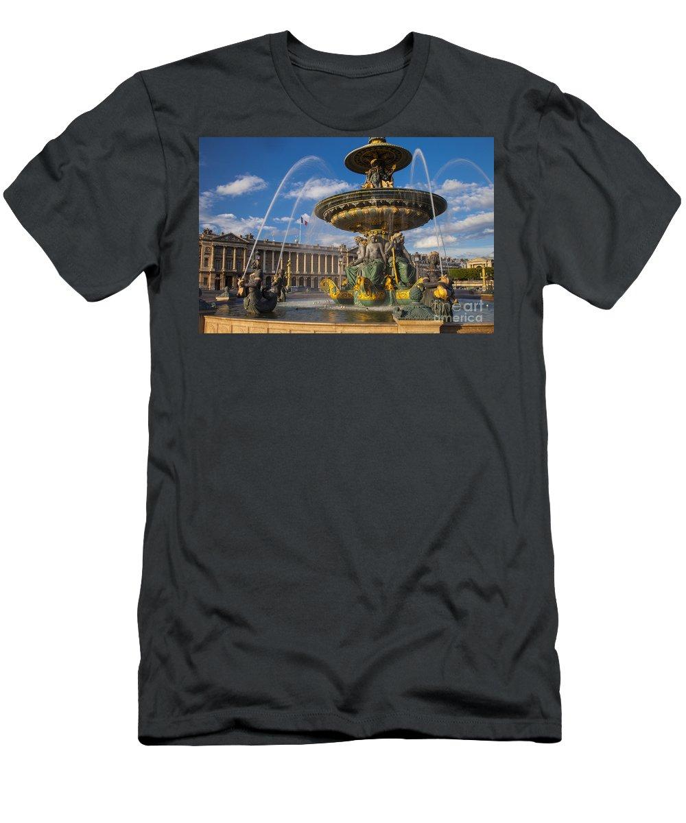 Architectural Men's T-Shirt (Athletic Fit) featuring the photograph Place De La Concorde by Brian Jannsen