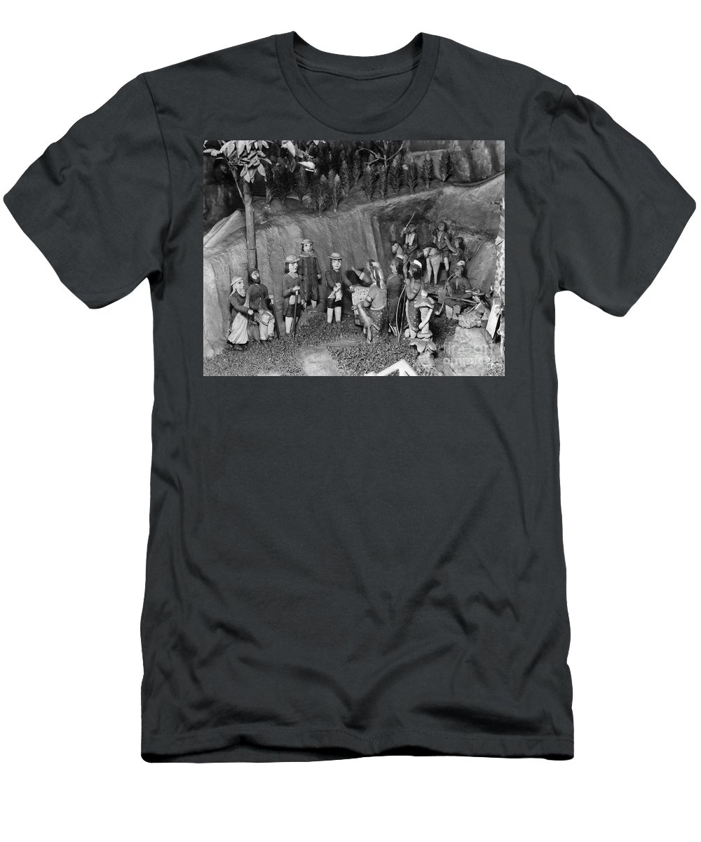 17th Century Men's T-Shirt (Athletic Fit) featuring the photograph William Penn (1644-1718) by Granger