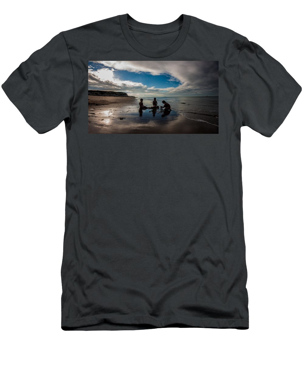 Dawn Oconnor Dawnoconnorphotos@gmail.com Men's T-Shirt (Athletic Fit) featuring the photograph A Perfect Day by Dawn OConnor