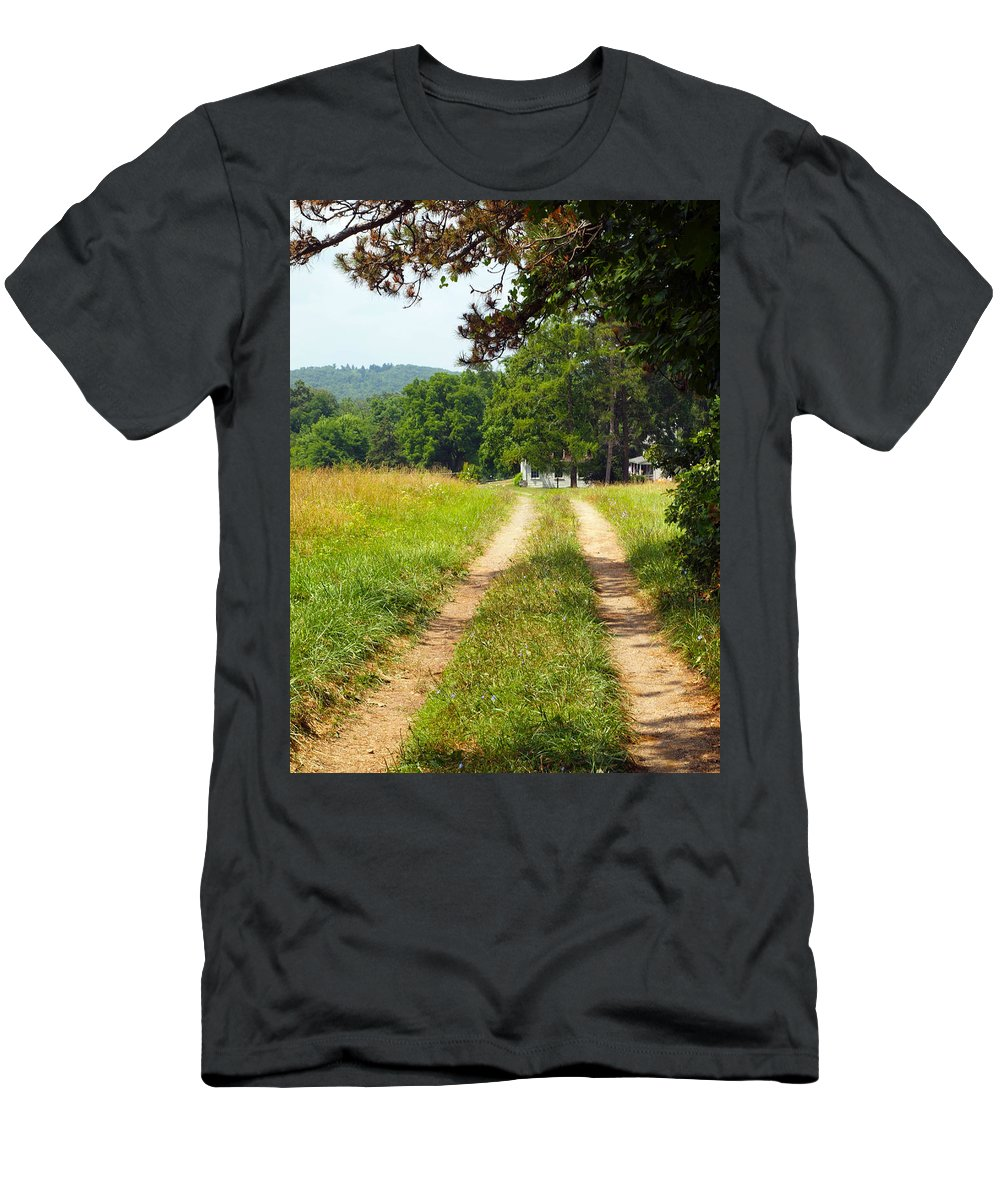 Farm Animals Men's T-Shirt (Athletic Fit) featuring the photograph A Perfect Road by Robert Margetts