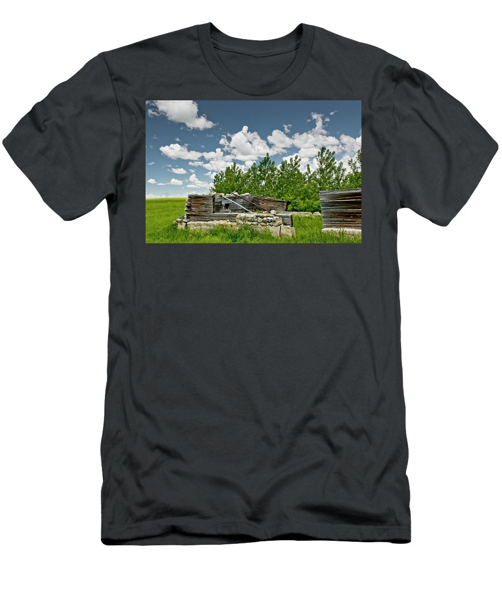 Americas Men's T-Shirt (Athletic Fit) featuring the photograph Abandoned Homestead by Roderick Bley