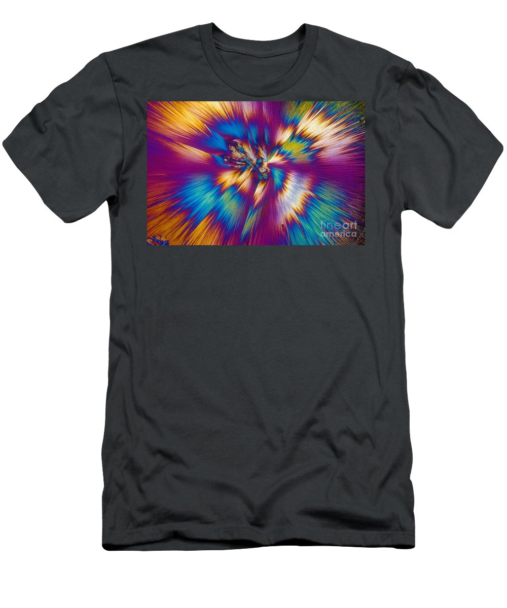 Tylenol Men's T-Shirt (Athletic Fit) featuring the photograph Acetaminophen Crystals Tem by Michael W. Davidson