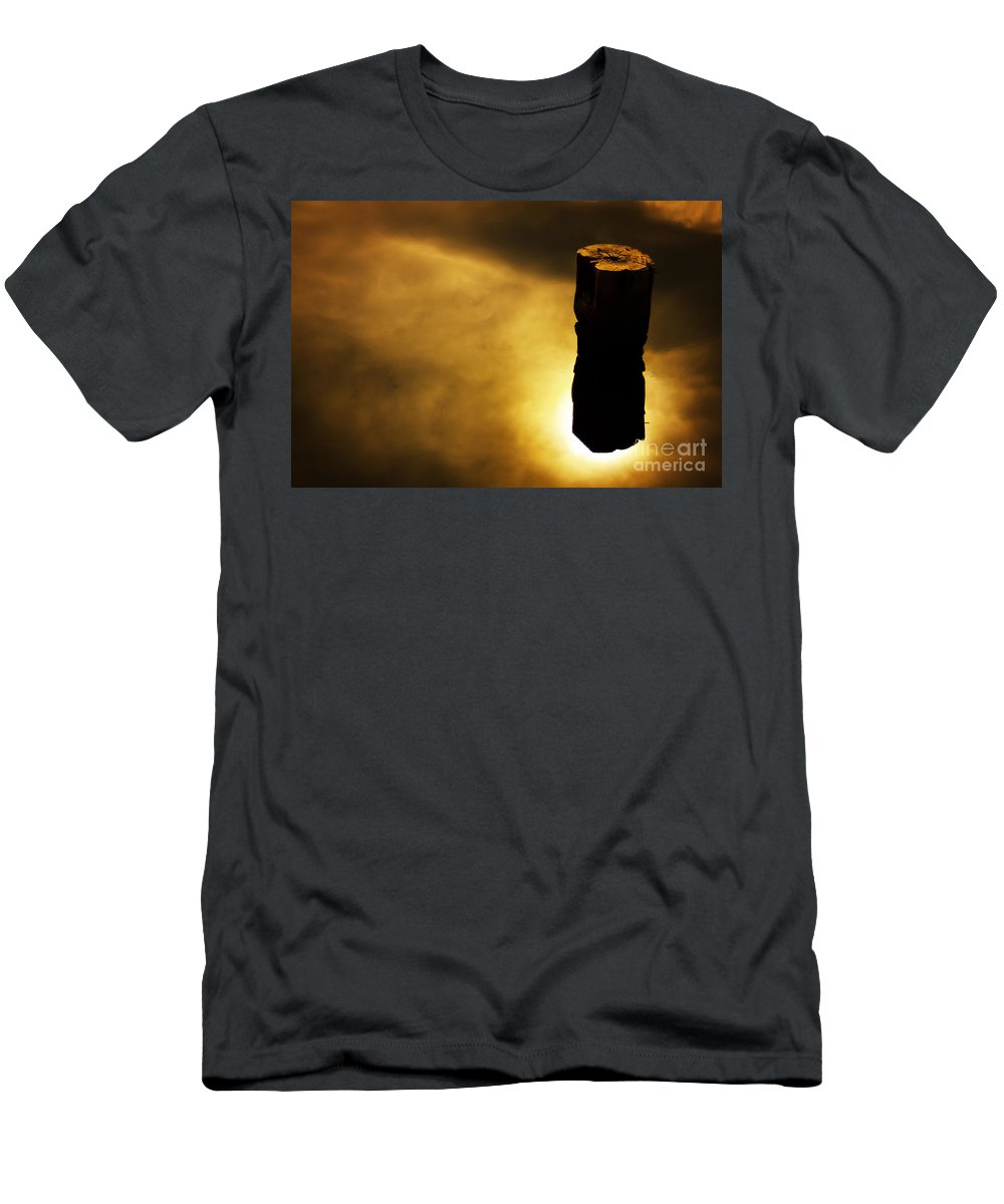 Glow Men's T-Shirt (Athletic Fit) featuring the photograph Ascension by Andrew Paranavitana