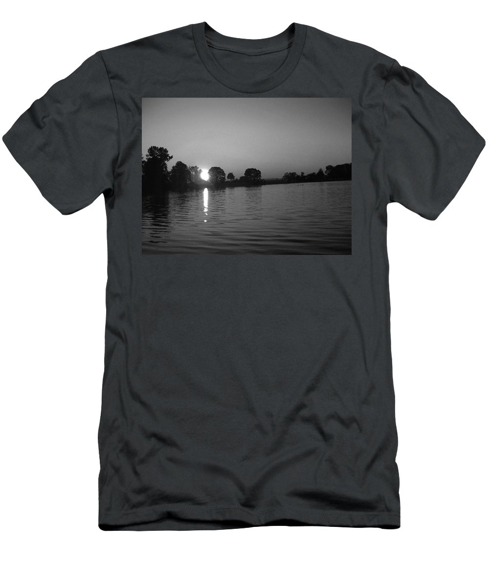 Black And White Men's T-Shirt (Athletic Fit) featuring the photograph Black And White Of Sunset On Walter Wirth Lake by Linda Hutchins