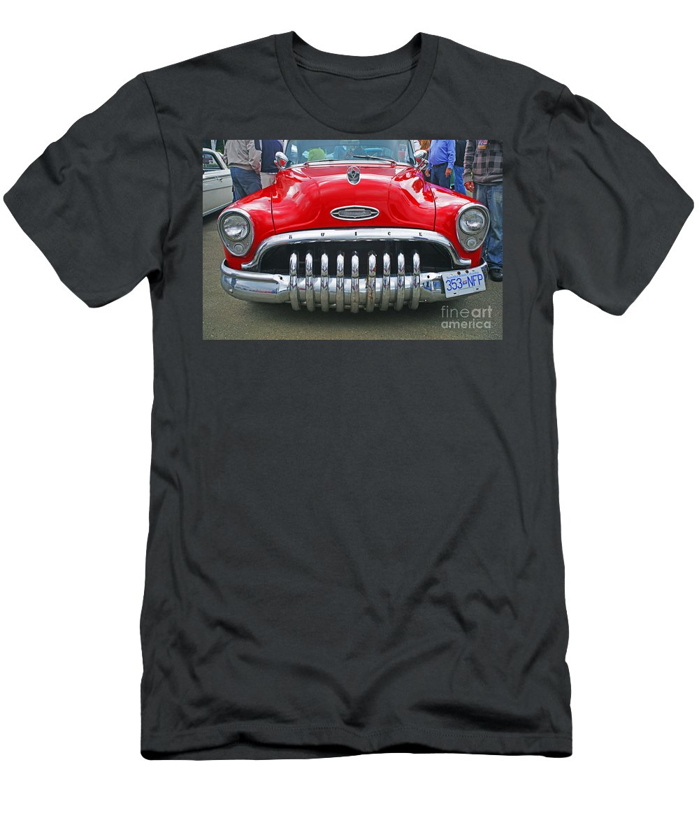 Custom Cars Men's T-Shirt (Athletic Fit) featuring the photograph Buick With Teeth by Randy Harris