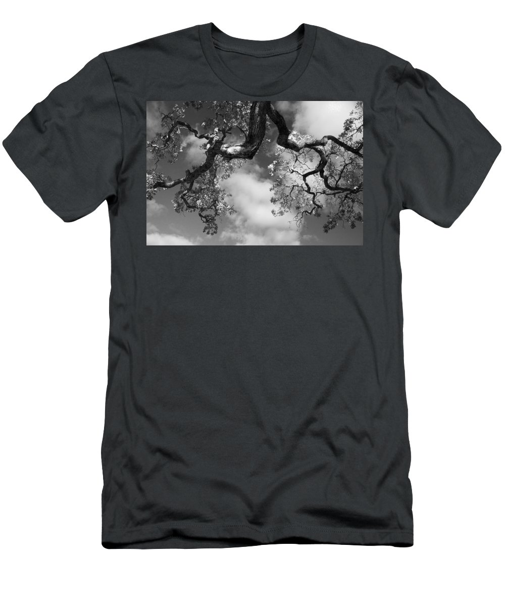 Oak Tree Men's T-Shirt (Athletic Fit) featuring the photograph Cloudy Oak by Laurie Search