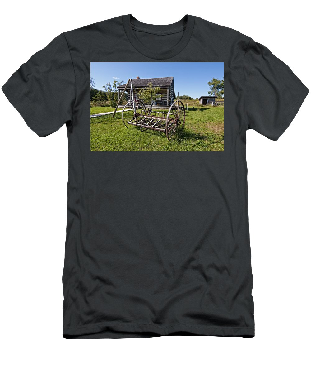 Grey Roots Museum & Archives Men's T-Shirt (Athletic Fit) featuring the photograph Country Classic by Steve Harrington