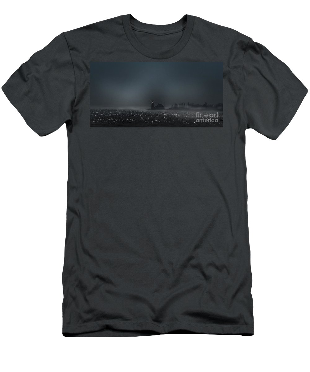 Lighthouse Men's T-Shirt (Athletic Fit) featuring the photograph Cove Point Lighthouse by Beth Phifer