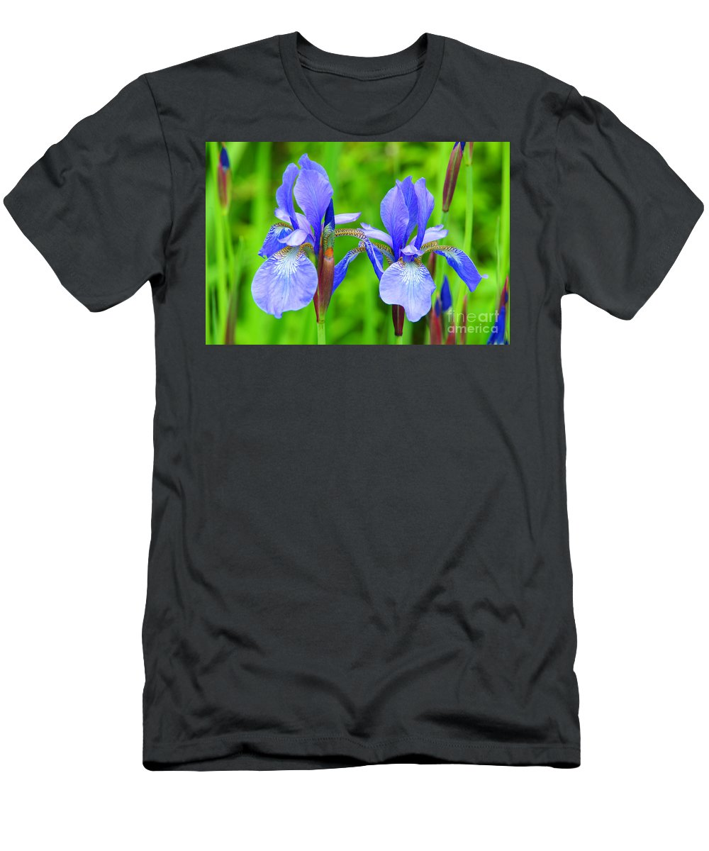 Flowers Men's T-Shirt (Athletic Fit) featuring the photograph Double Iris by Randy Harris