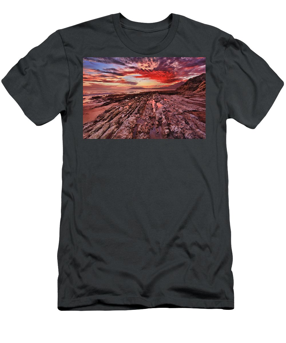 Shell Beach Men's T-Shirt (Athletic Fit) featuring the photograph Eternal by Beth Sargent