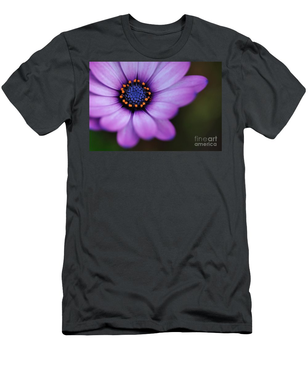 Photography Men's T-Shirt (Athletic Fit) featuring the photograph Eye Of The Daisy by Kaye Menner
