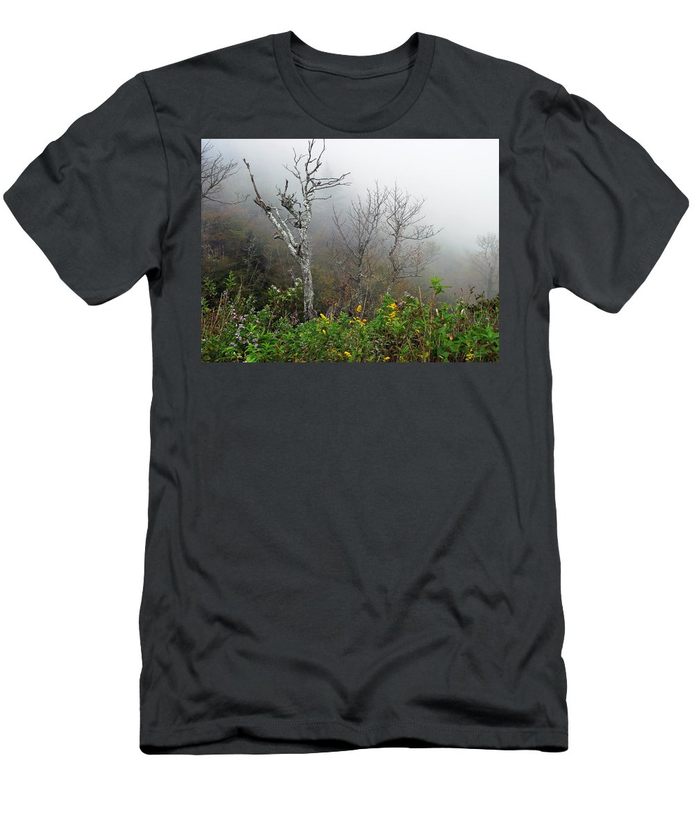 Foggy Men's T-Shirt (Athletic Fit) featuring the photograph Foggy Day On The Blueridge by Duane McCullough