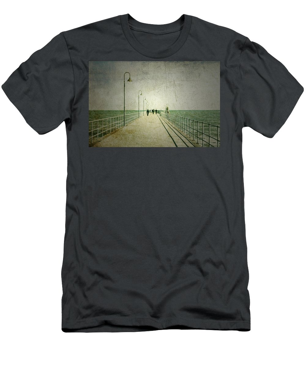 Adelaide Men's T-Shirt (Athletic Fit) featuring the photograph Halcyon Days by Andrew Paranavitana