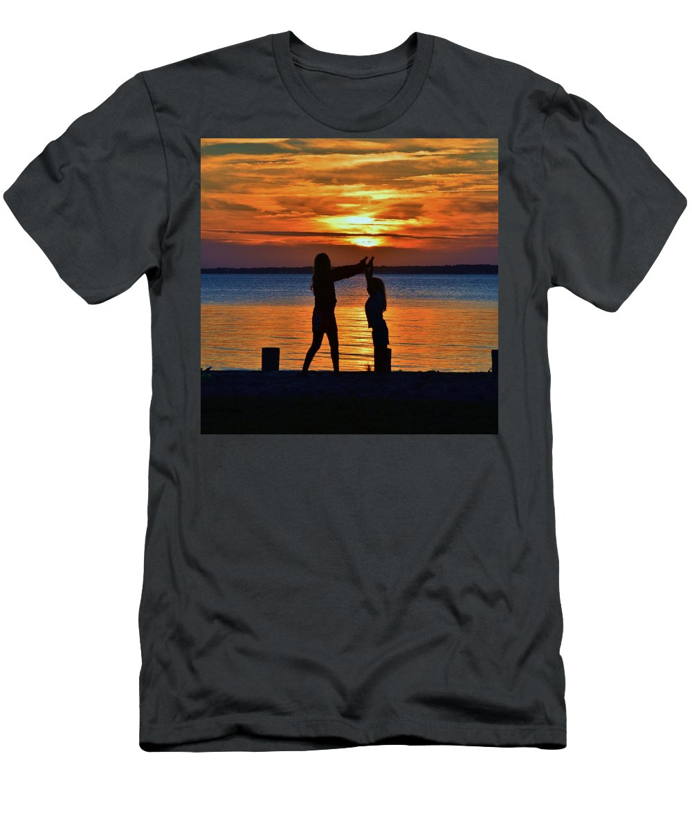 Sun Men's T-Shirt (Athletic Fit) featuring the photograph High 5 by William Bartholomew