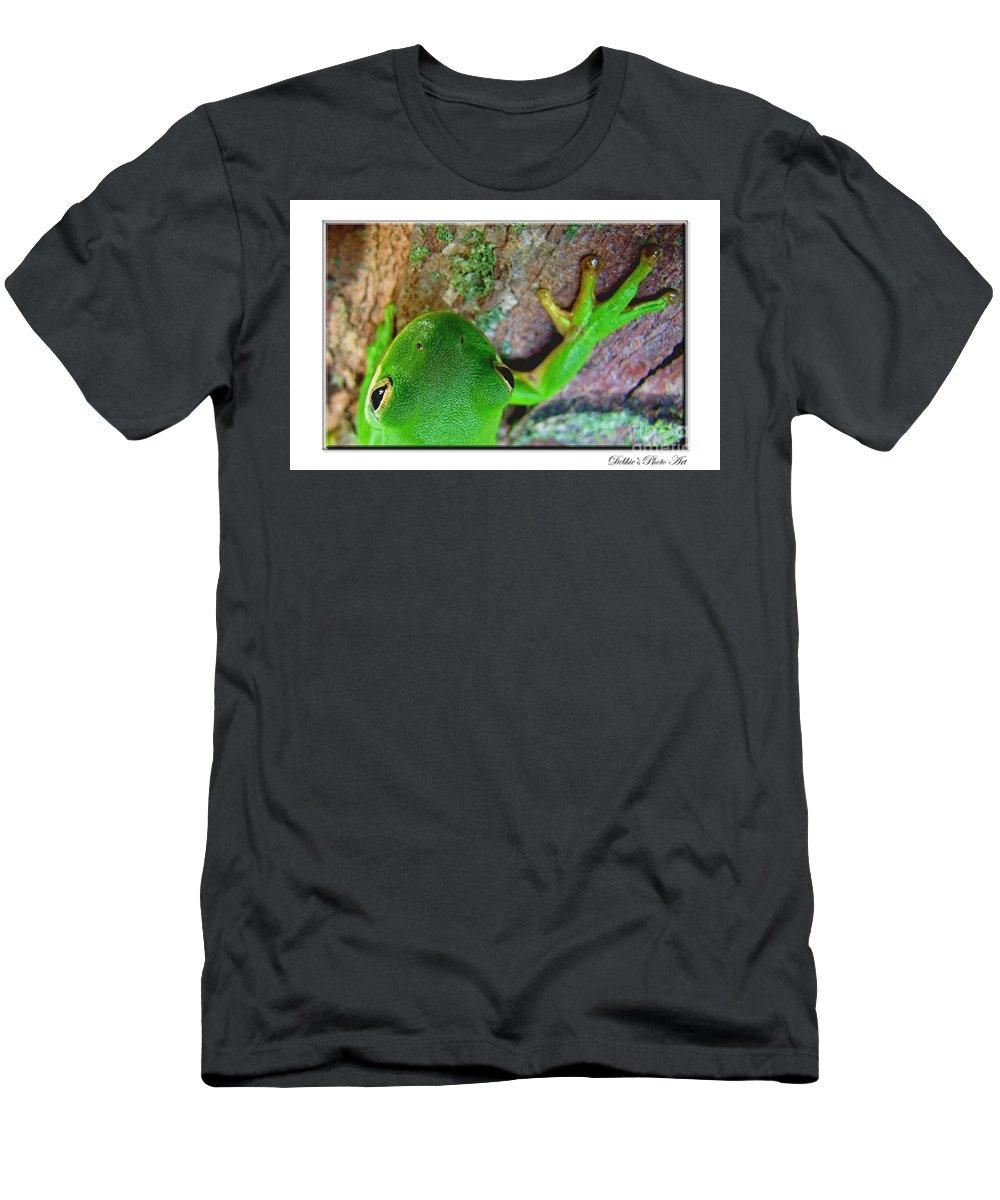 Nature Men's T-Shirt (Athletic Fit) featuring the photograph Kermit's Kuzin by Debbie Portwood