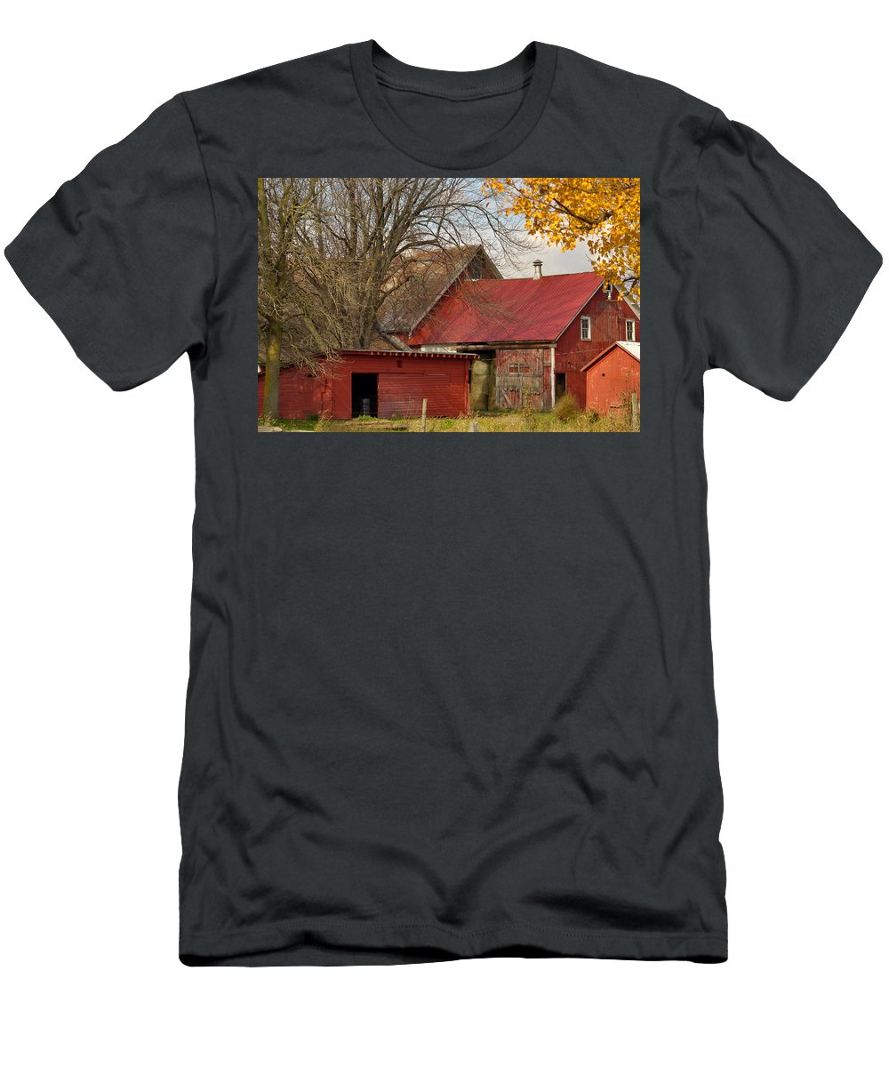 Barn Men's T-Shirt (Athletic Fit) featuring the photograph Little Red Farm by Dennis Comins