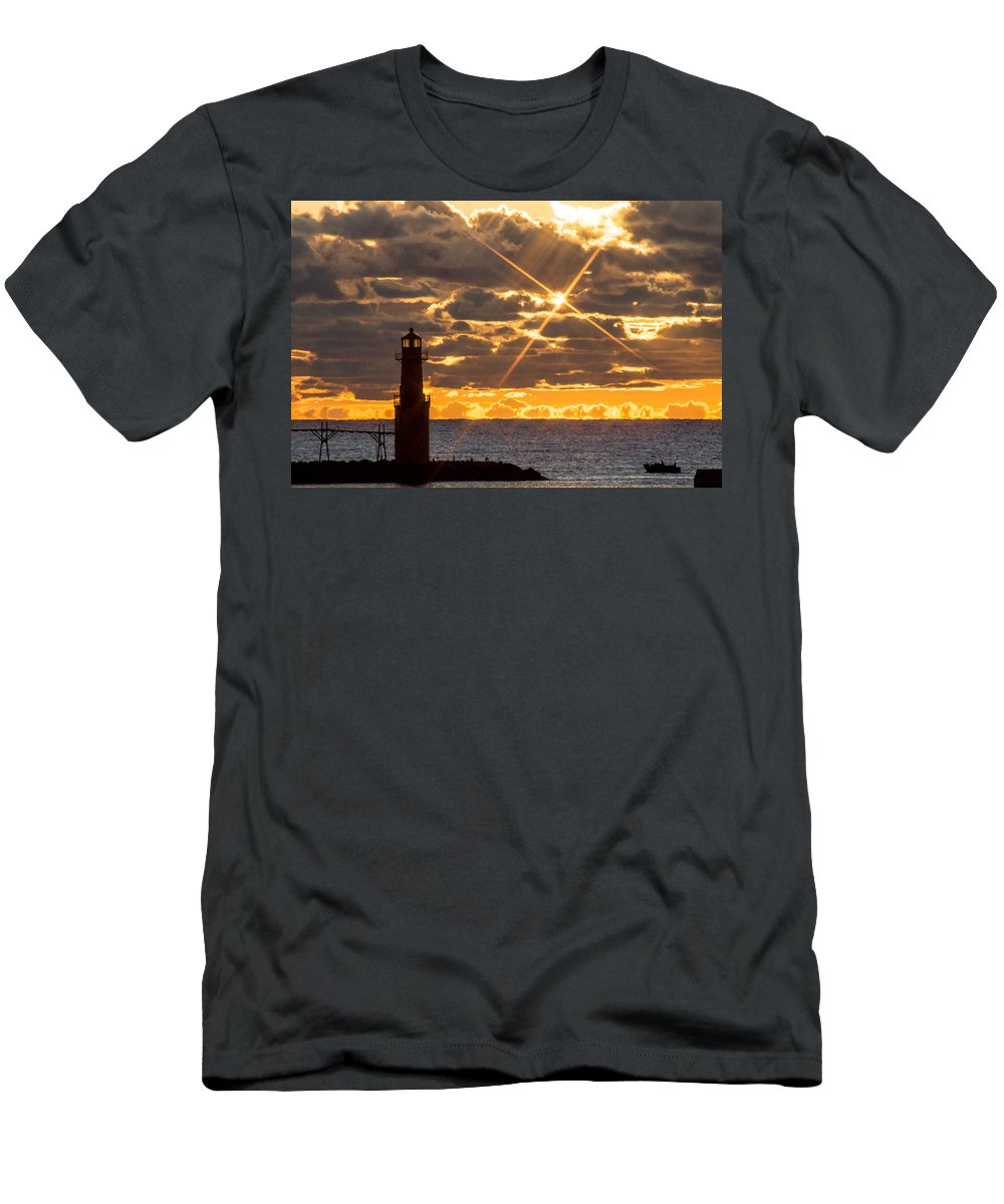Lighthouse Men's T-Shirt (Athletic Fit) featuring the photograph Morning Star by Bill Pevlor