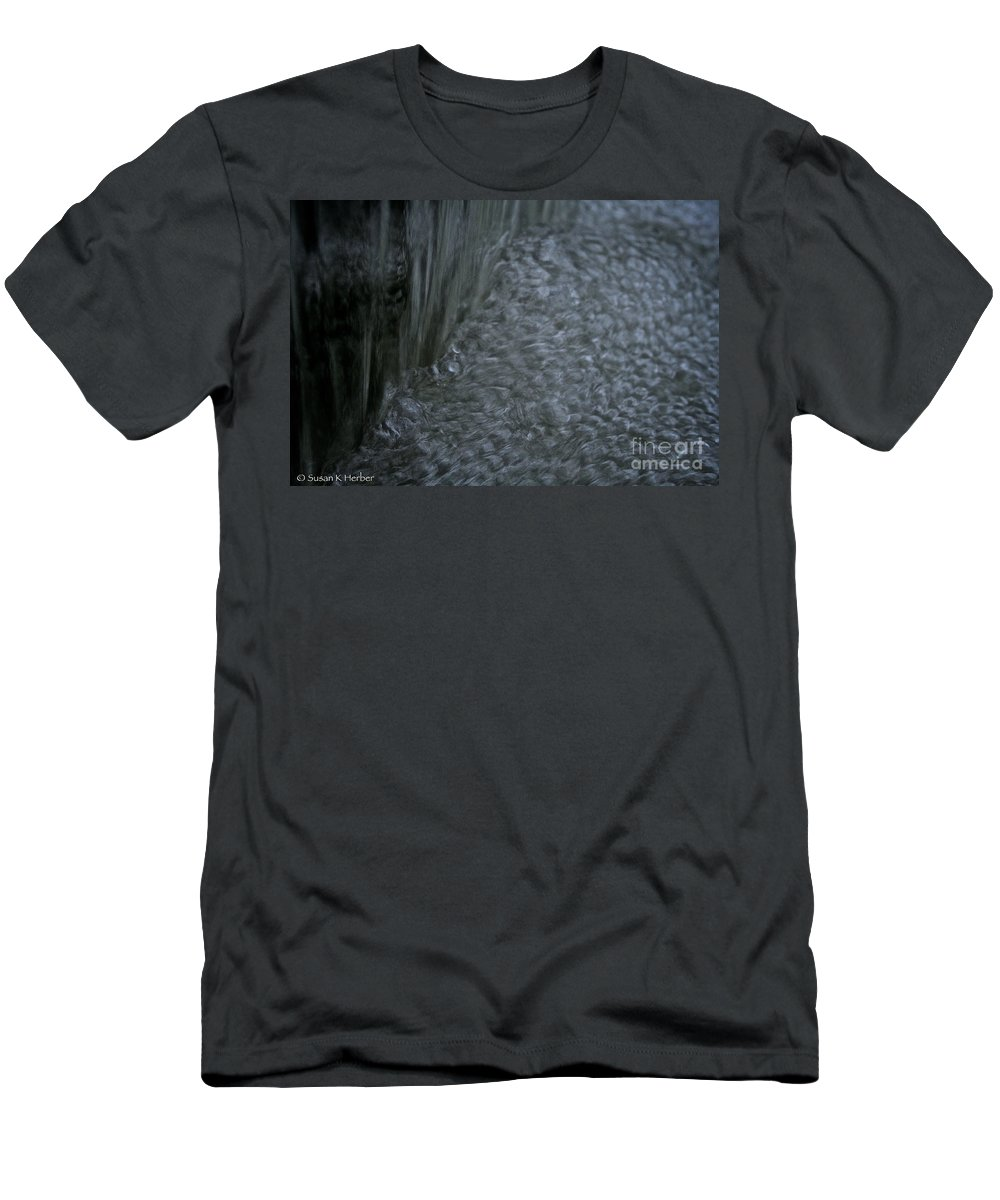 Outdoors Men's T-Shirt (Athletic Fit) featuring the photograph Nature Made Bubble Pack by Susan Herber