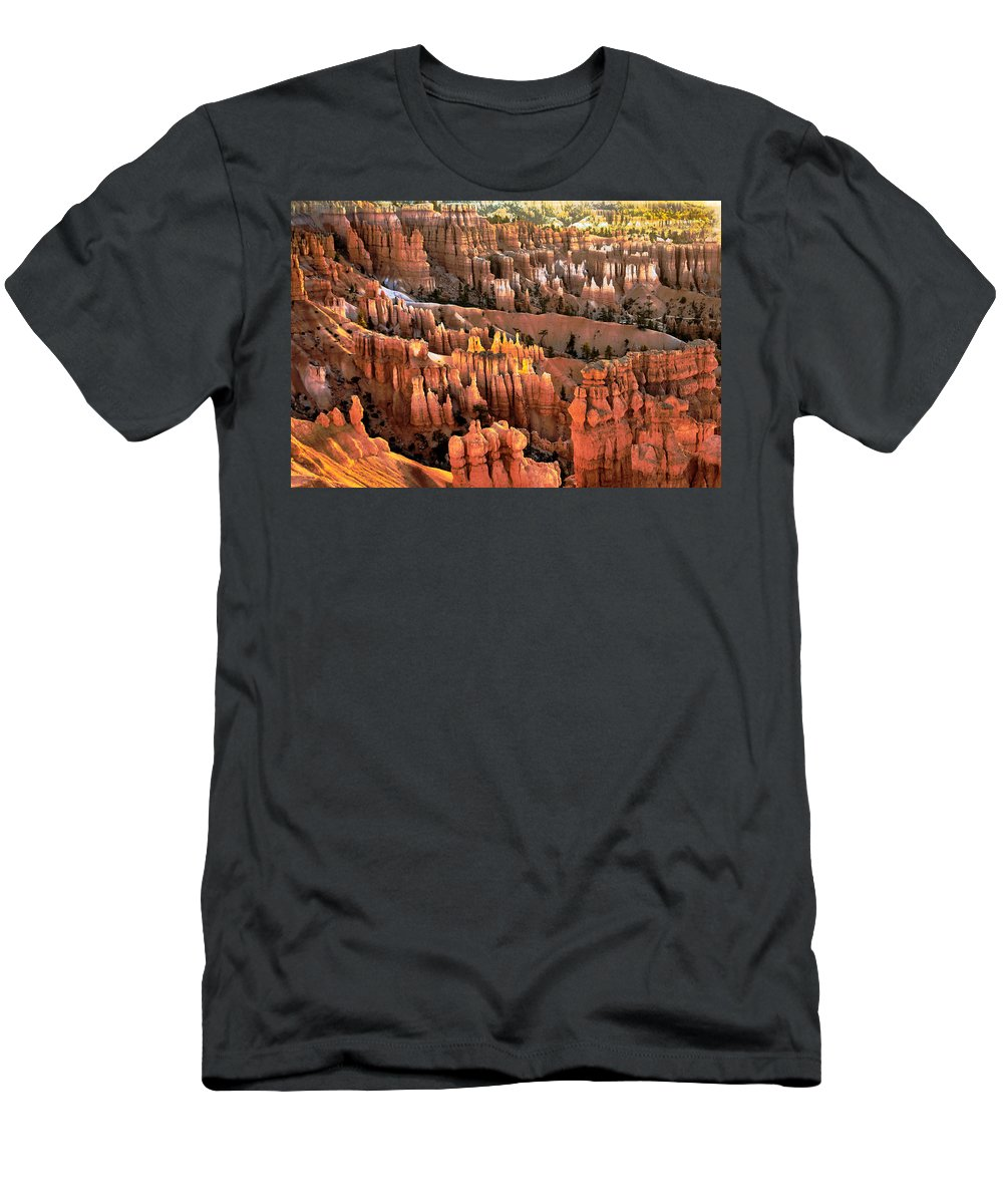 Bryce Canyon Men's T-Shirt (Athletic Fit) featuring the photograph Sunrise Point At Sunrise by Robert Bales
