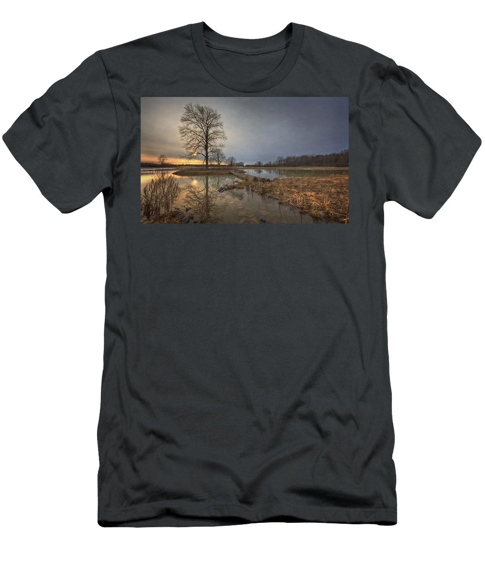 Sunset Men's T-Shirt (Athletic Fit) featuring the photograph Sunset At Timber Banks by Everet Regal