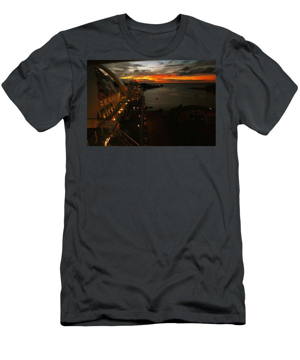 Sunset Men's T-Shirt (Athletic Fit) featuring the photograph Sunset In Paradise by Gary Wonning
