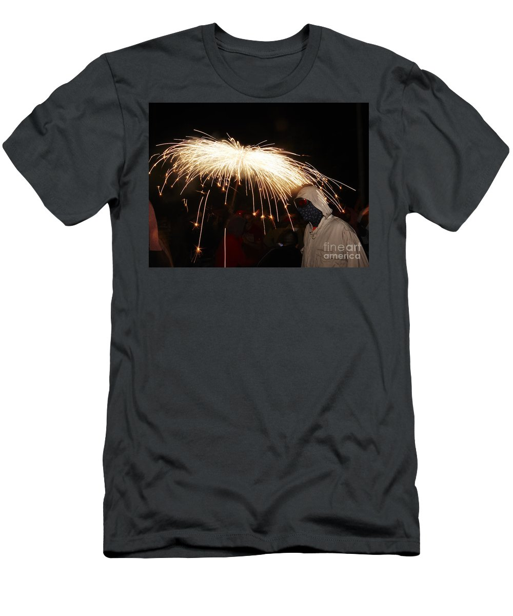 Fuego Men's T-Shirt (Athletic Fit) featuring the photograph Umbrella Of Sparks by Agusti Pardo Rossello