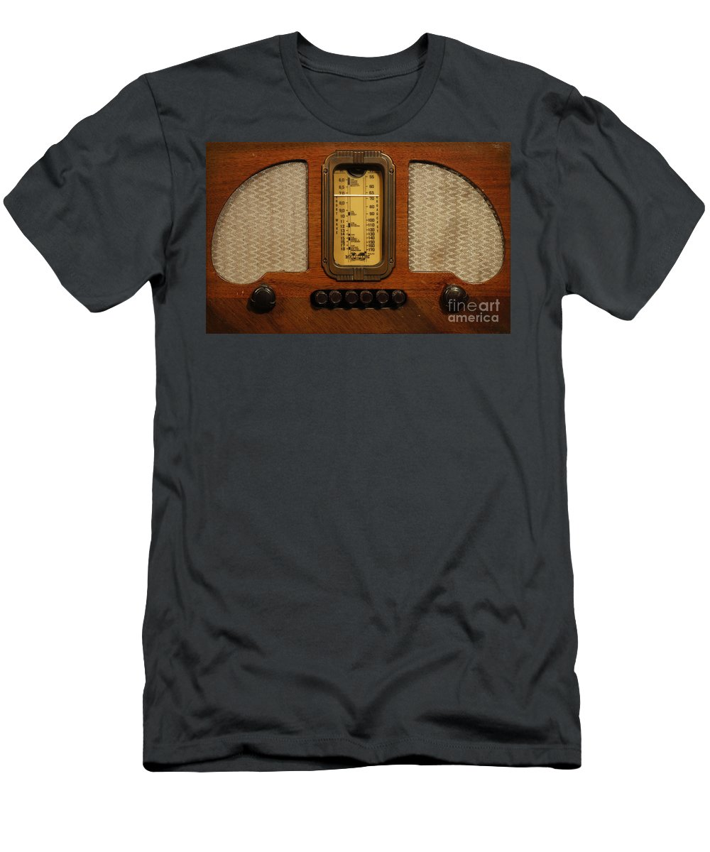Old Radio Men's T-Shirt (Athletic Fit) featuring the photograph Vintage Radio by Dennis Hedberg