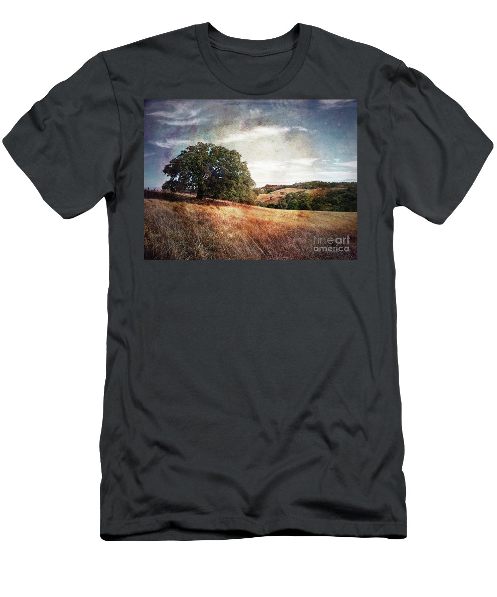 Palo Alto Men's T-Shirt (Athletic Fit) featuring the photograph Vista Of Distant Memory by Laura Iverson