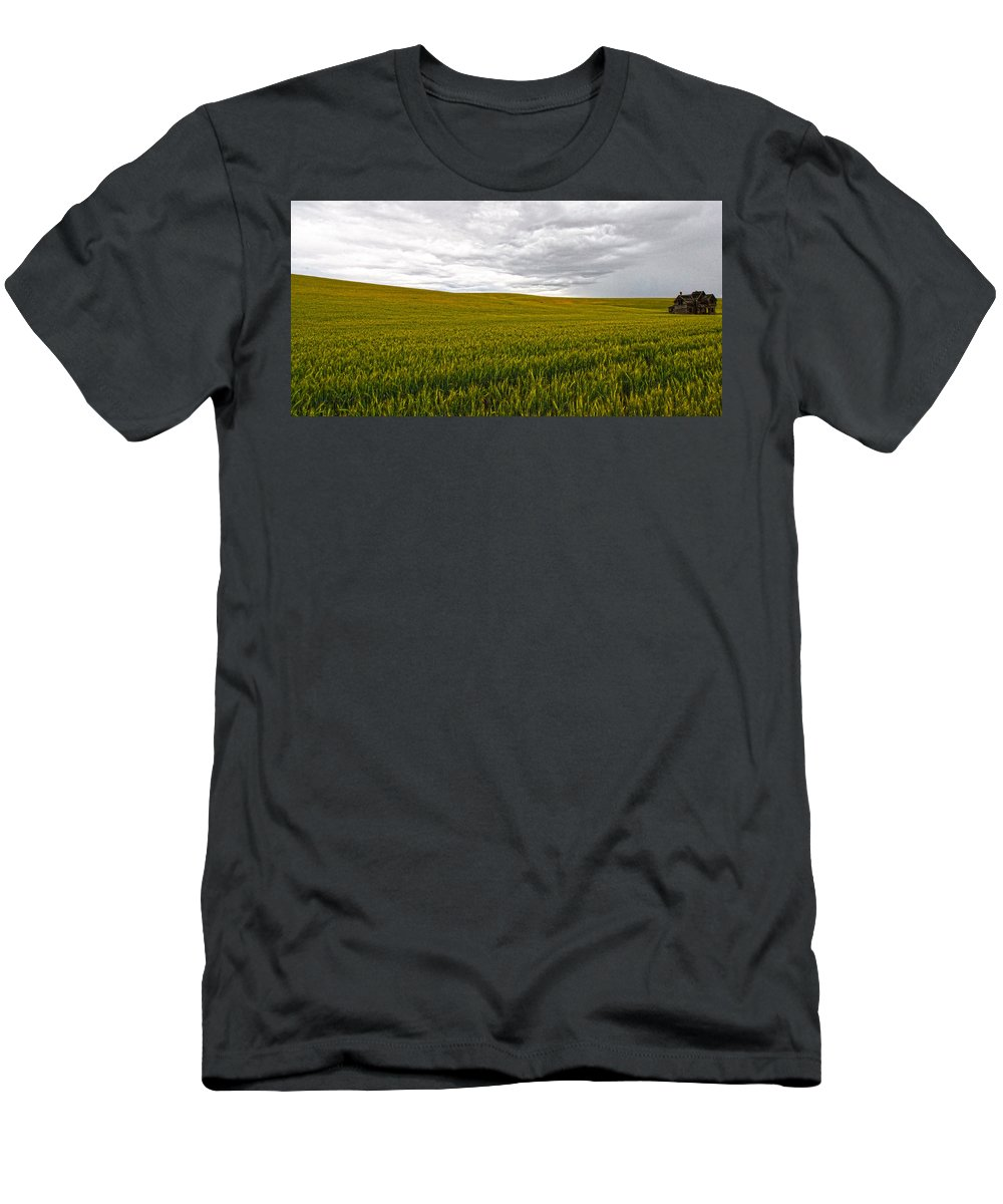 Victorian Men's T-Shirt (Athletic Fit) featuring the photograph Wheat Field Homestead by Steve McKinzie
