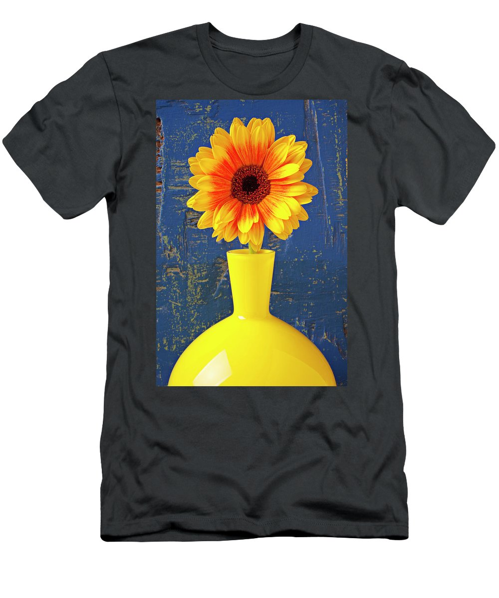 Mum Men's T-Shirt (Athletic Fit) featuring the photograph Yellow Mum In Yellow Vase by Garry Gay