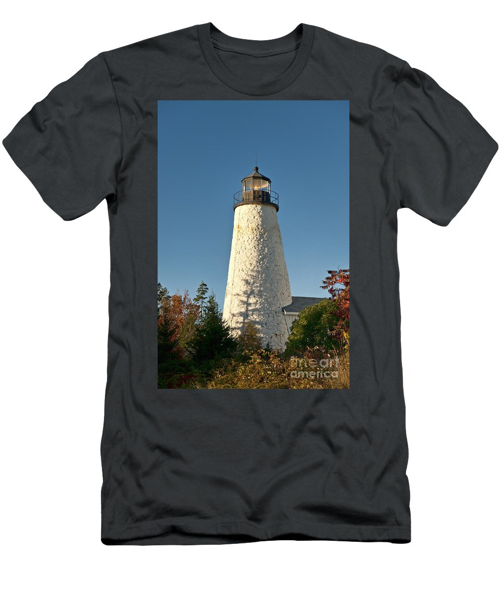 Castine Men's T-Shirt (Athletic Fit) featuring the photograph Dyce Head Lighthouse by John Greim